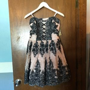 Dresses & Skirts - Short formal dress